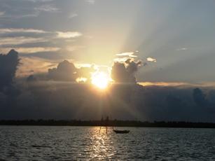 Sunset in Thu Bon river
