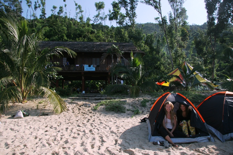 & Sleeping in tent in Cham island